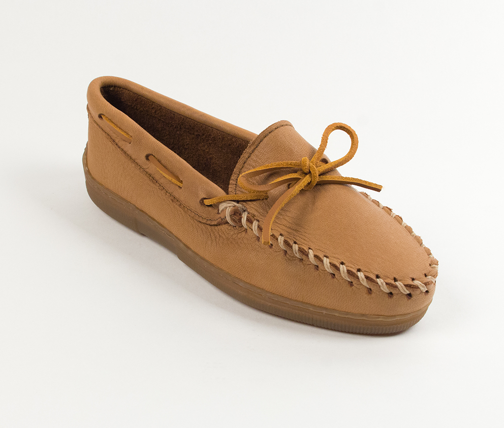 Minnetonka Womens Natural Moosehide Classic Moccasin