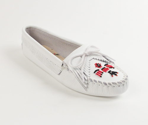 Womens Minnetonka White Smooth Thunderbird Softsole Moccasin